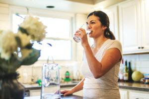 karantinada bol su içmek