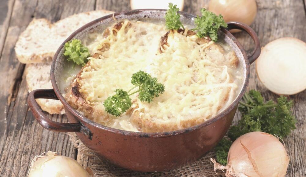 fransız usulü soğan çorbası