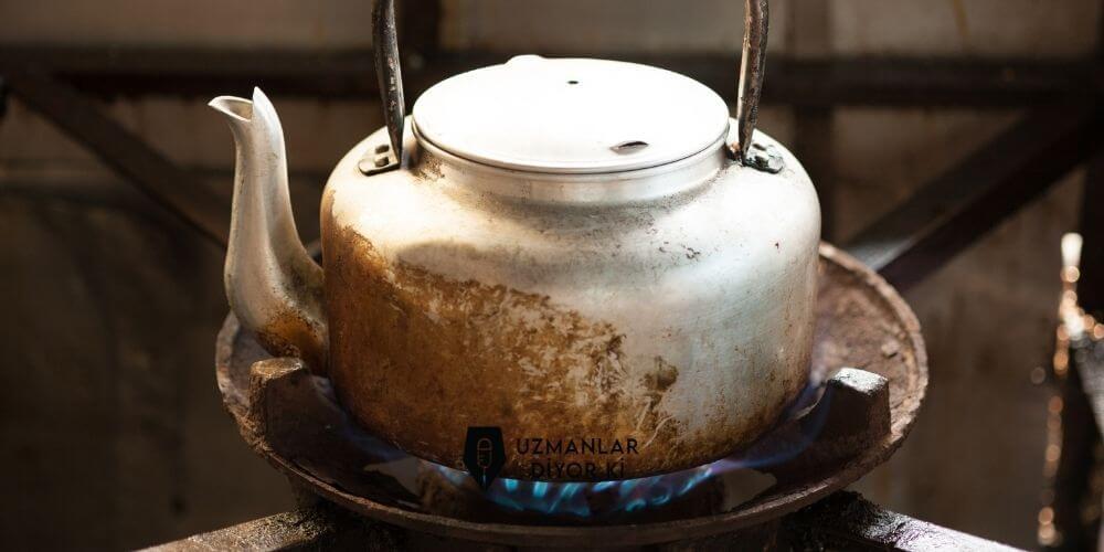 yanmış çaydanlık nasıl parlatılır