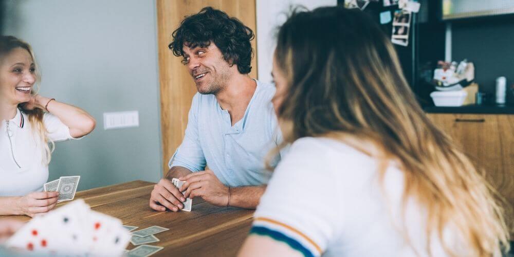 blöf oyunu kart dağıtımı